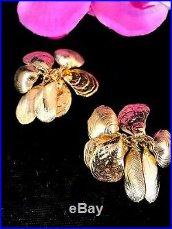 1982 Napier Eugene Bertolli Gold-tone Clam Shell Charm Bracelet Earring Set Book