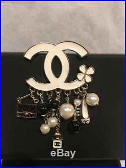 Auth CHANEL CC Logo/ Charm L size Brooch Pin White Enamel /Gold Tone Metal