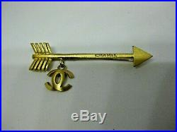Authentic Chanel CC Arrow Pin Charm Brooch Gold Tone 02P CC France Authentic