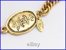 CHANEL CC Logos Oval Coin charm Necklace 70 inch long Gold Tone Vintage b422