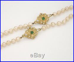 CHANEL Green Gripoix Charm Pearl Necklace Gold tone 33 inch long v746