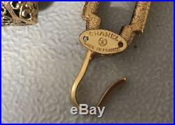 CHANEL NECKLACE COTURE RARE 1980's VINTAGE XL CHARM / BELT GOLD CHAIN