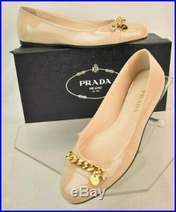 Nib Prada Cipria Nude Patent Leather Gold Tone Chain Charm Logo Flats 37.5 Italy