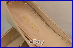 Nib Prada Cipria Nude Patent Leather Gold Tone Chain Charm Logo Flats 38 Italy